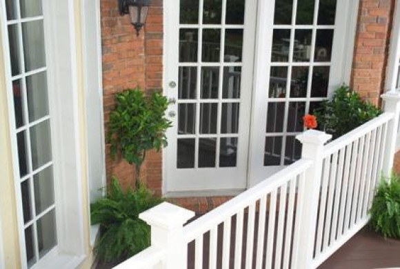 Porch white railing